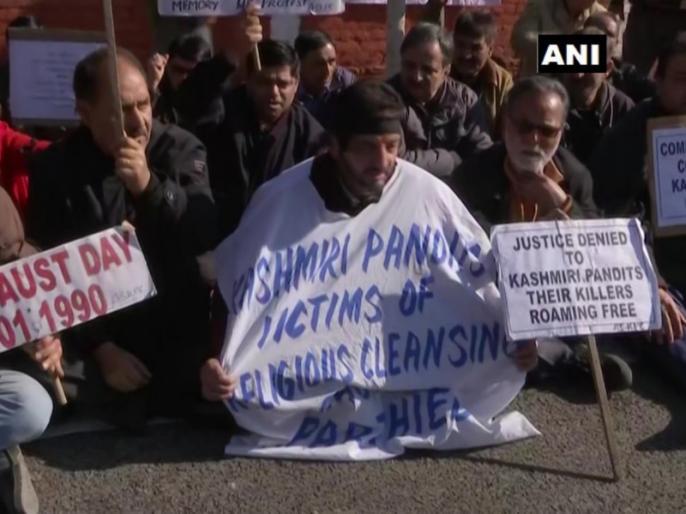 Kashmiri Pandit: Even after 30 years of migration, the dream is to return home, but no one in Kashmir | कश्मीरी पंडितः पलायन के 30 साल बाद भी सपना है घर वापसी का, लेकिन कश्मीर में कोई अपना नहीं