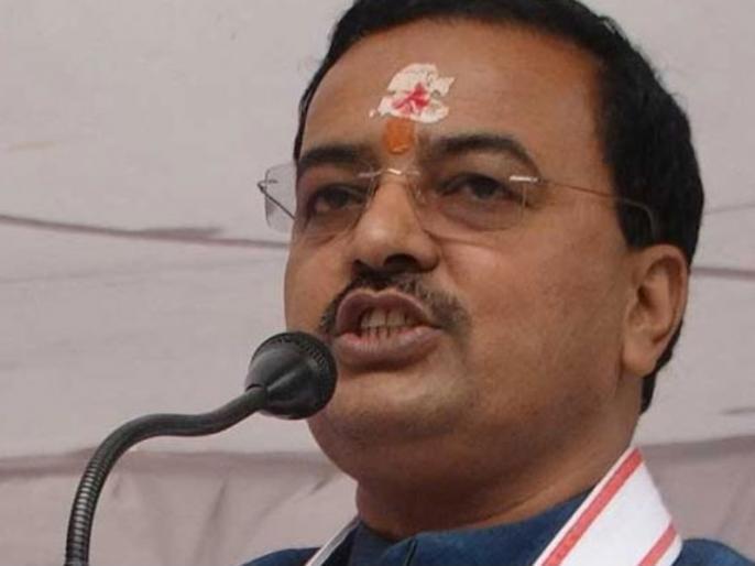 Keshav Prasad Maurya quips Akhilesh, said, he could not keep the family united | केशव प्रसाद मौर्य ने अखिलेश पर ली चुटकी, कहा- वह परिवार को एकजुट नहीं रख पाए