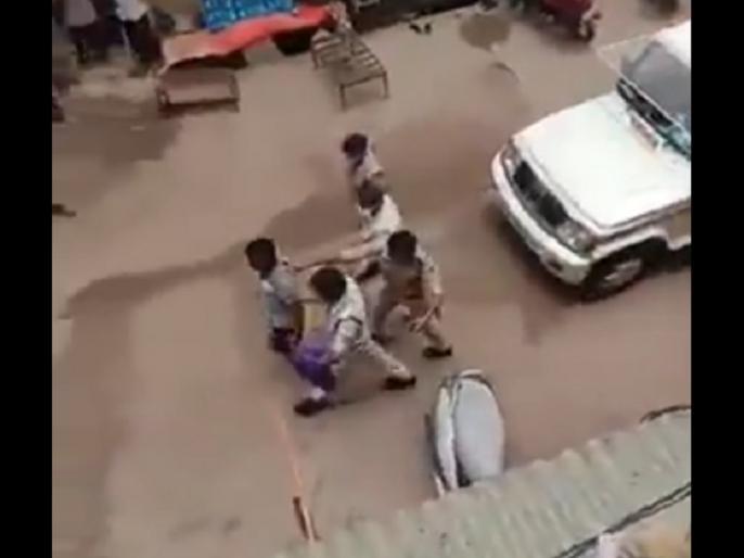 Madhya Pradesh two police Officials transferred for action on youth celebrating ram mandir bhoomipujan   मध्य प्रदेश: राम मंदिर भूमिपूजन का जश्न मनाने पर युवकों पर की थी कार्रवाई, दो पुलिस अधिकारियों का तबादला