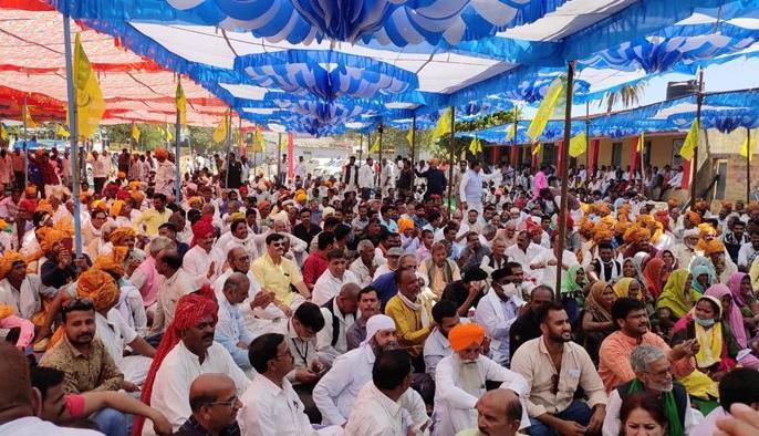 now Kisan Mahapanchayat was organized in Madhya Pradesh, a large number of farmers gathered demanding the withdrawal of new agricultural laws. | पंजाब, हरियाणा, यूपी व राजस्थान के बाद अब मध्य प्रदेश में हुआ किसान महापंचायत का आयोजन, किसानों ने नए कृषि कानूनों को वापस लेने की मांग की