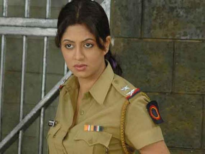 Bigg Boss 14 Kavita Kaushik exposes abusive trolls by sharing screenshots says call them out   FIR की 'चंद्रमुखी चौटाला' कविता कौशिक ने शेयर किया गालियों से भरा स्क्रीनशॉट, यूजर्स ने कहा- उसे माफ कर दीजिए