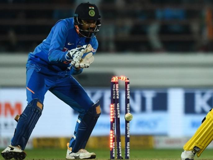 Team India Coach Ravi Shastri opens up on using KL Rahul as wicketkeeper ahead of New Zealand tour, says- We love options | क्या न्यूजीलैंड दौरे पर केएल राहुल करेंगे विकेटकीपिंग, कोच रवि शास्त्री ने दिया ये जवाब