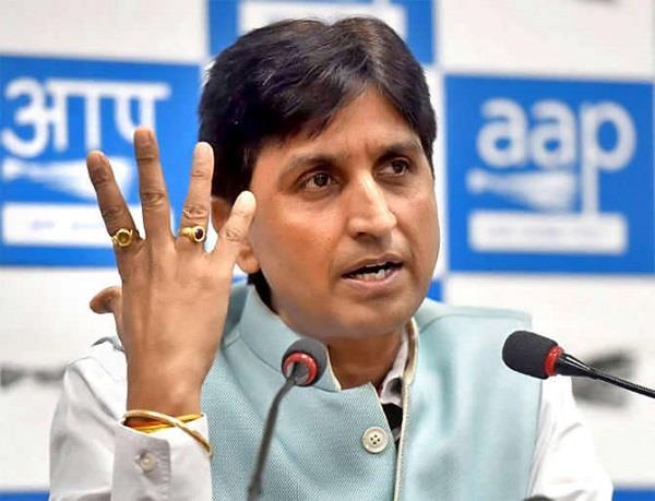 Lok Sabha Elections 2019: Kumar Vishwas told Lee on social media, Arvind Kejriwal told 'self-centered dwarf' | लोकसभा चुनाव 2019: कुमार विश्वास ने सोशल मीडिया पर ली चुटकी, अरविंद केजरीवाल को बताया 'आत्ममुग्ध बौना'
