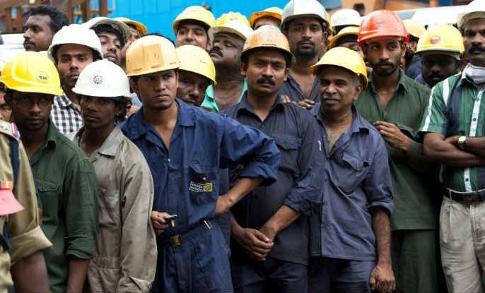 many person jobless slowdown in auto industry fmcg textiles share market steel industry | आर्थिक मंदी के चलते लाखों लोग हुए बेरोजगार, ऑटो, टेक्सटाइल, स्टील, एफएमसीजी का बुरा हाल