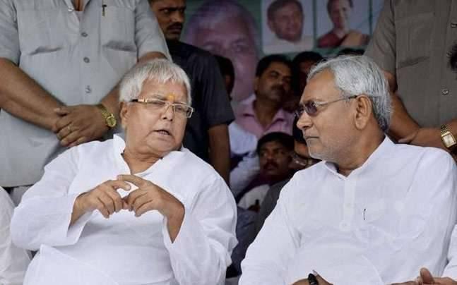 Bihar: Lalu Yadav attacked Nitish Kumar, said - stabbed us in the back after winning the ally in 2010 and in 2015 | बिहार: लालू यादव का नीतीश कुमार पर हमला, बोले- 2010 में सहयोगी को और 2015 में जीतने के बाद हमारे पीठ में छुरा घोंपा