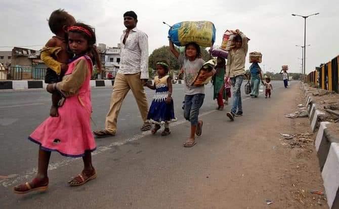 Delhi LOckdown: Migrant workers movement stopped in Delhi 4788 homeless laborers living in 111 shelter homes | Delhi LOckdown: दिल्ली में प्रवासी श्रमिकों की आवाजाही थमी, 111 आश्रय गृहों में रह रहे बेघर हुए 4,788 मजदूर