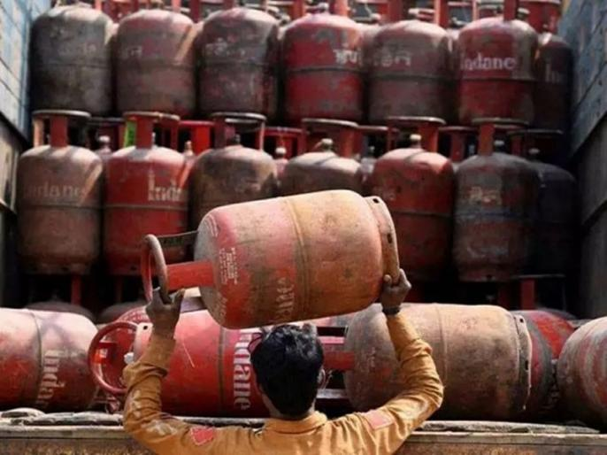 LPG Gas Cylinder A gas cylinder of Rs 769 is available for just Rs 69 know how to avail the offer | LPG Gas Cylinder: महज 69 रुपये में बुक करें 769 वाला गैस सिलेंडर, जल्द उठाएं ऑफर का लाभ