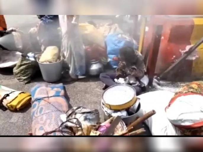 Lucknow Municipal Corporation Sprayed Boy With Bleach And Water Disinfectant, Know Gives Explanation | UP Ki Taja Khabar: लखनऊ में बच्चे पर नगर निगम ने किया कीटनाशक का छिड़काव, विवाद बढ़ा तो अब दी ये सफाई