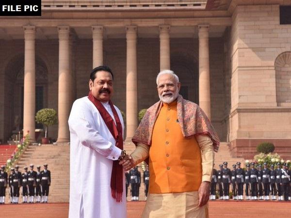 Sri Lankan Prime Minister Rajapaksa praised PM Modi for helping hand in cooperation and friendship   श्रीलंका के प्रधानमंत्री राजपक्षे ने सहयोग व मित्रता का हाथ बढ़ने के लिए पीएम मोदी की तारीफ की