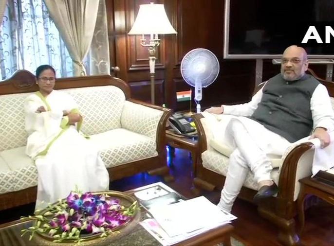 Delhi: West Bengal CM Mamata Banerjee arrives at Ministry of Home Affairs, to meet Union Home Minister Amit Shah | गृहमंत्री अमित शाह से मुलाकात के बाद ममता बनर्जी ने कहा- NRC लिस्ट से बाहर 19 लाख लोगों पर विचार के लिए सौंपा पत्र