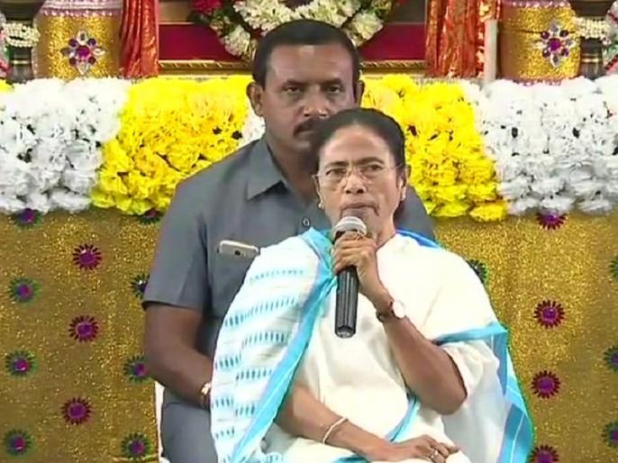 west bengal clashes between tmc & bjp congress support mamta banerjee ls polls 2019 | पश्चिम बंगाल की हिंसा पर दिल्ली का चढ़ा पारा , ममता बनर्जी के समर्थन में उतरा विपक्ष