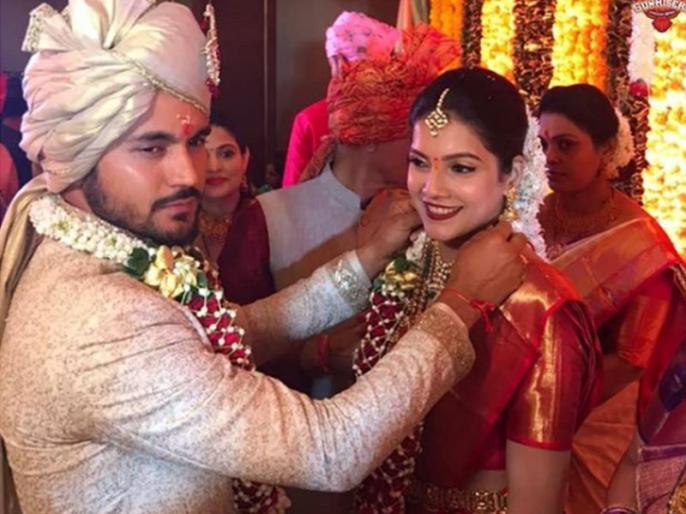 Lekan Invite Q nahi kya? Rashid Khan leaves newly-married Manish Pandey stunned with his congratulatory post | मनीष पाण्डेय को बधाई देते हुए राशिद खान ने पूछा शादी में क्यों नहीं बुलाया, फैंस ने किए मजेदार कमेंट