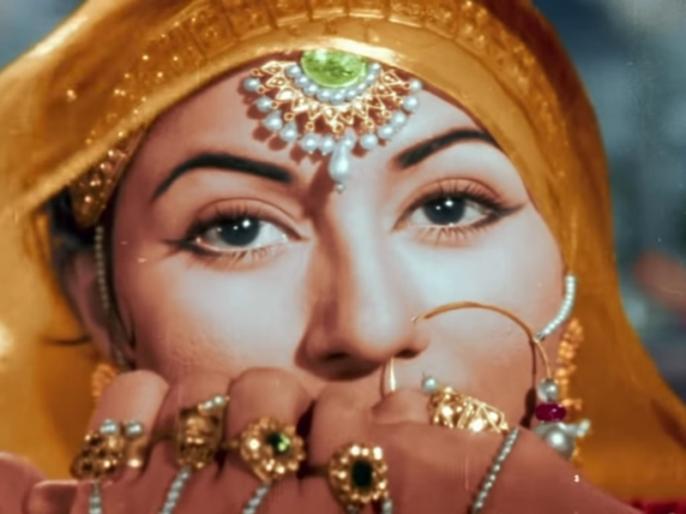 Mohe panghat pe Song Review: Madhubala Thumri of Mughal-E-Azam heals if you ever Loved someone | Mohe Panghat Pe Song Review: ज़िन्दगी में अगर कभी प्यार ने छुआ है तो यह गाना सुकून देगा