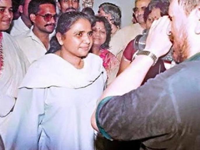Mayawati remember SP BSP Alliance PC Guest House Kand Lucknow 1995 | SP-BSP गठबंधन के वक्त भी मायावती को याद आया गेस्ट हाउस कांड, वो घटना जिसके बाद साड़ी छोड़ सूट पहनने लगीं बहनजी!