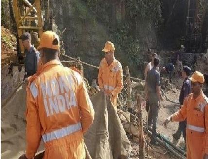 Meghalaya: Trying to save workers stranded in the mine for a month, no change in water level | मेघालय: एक महीने से खदान में फंसे मजदूरों को बचाने की कोशिश जारी, जलस्तर में नहीं कोई बदलाव