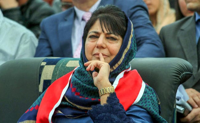 Mehbooba Mufti says Every statement from the authorities about situation in Kashmir is a bald faced lie | महबूबा मुफ्ती ने तीन नेताओं की रिहाई पर किया तंज, कहा- जम्मू कश्मीर के हालात पर सरकार बोल रही सफेद झूठ!