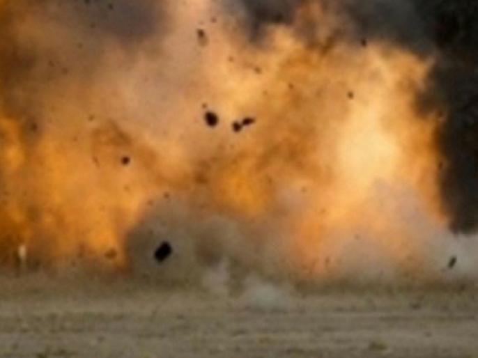 39 killed in Syria bomb blast in forms monitoring organisation | नार्थ-वेस्ट सीरिया में विस्टफोट, बच्चों समेत 39 लोगों की मौत