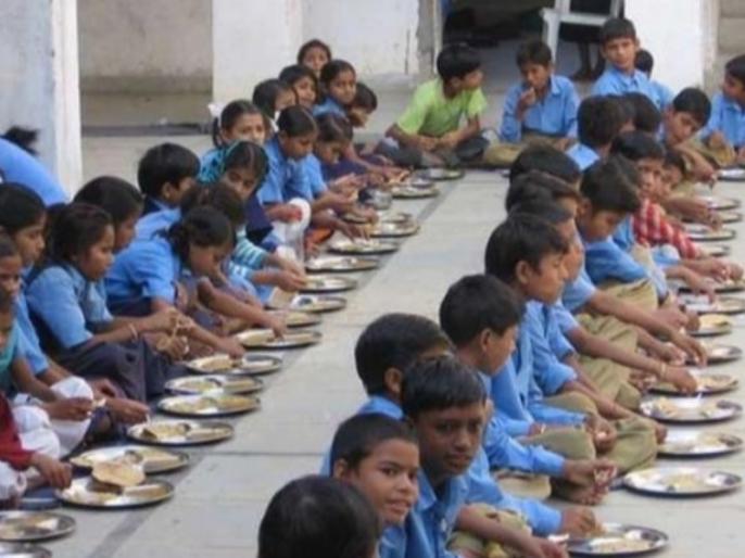 Delhi: 26 students fall ill after consuming mid day meal at Government school in Narela | दिल्लीः सरकारी स्कूल का मिड-डे मील खाकर 26 बच्चे बीमार, खाने में गिरी थी छिपकली