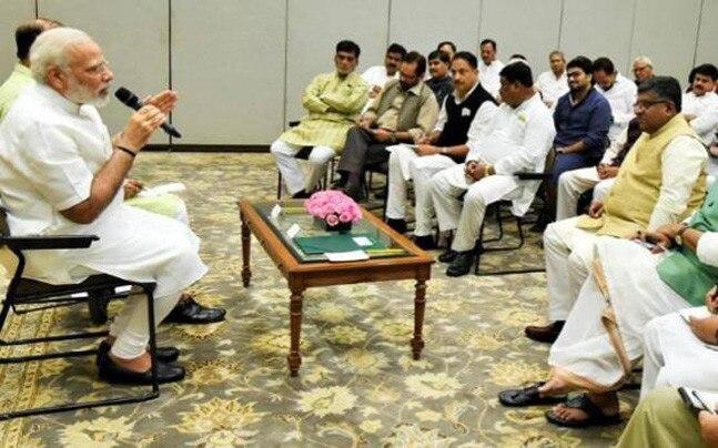 Lok Sabha Elections 2019: Modi government alliance take benefit if NDA form govt again | लोकसभा चुनाव 2019ः दोबारा मोदी सरकार बनी तो होगी कुछ मंत्रियों की छुट्टी, सहयोगी दलों को मिलेगी वरीयता!