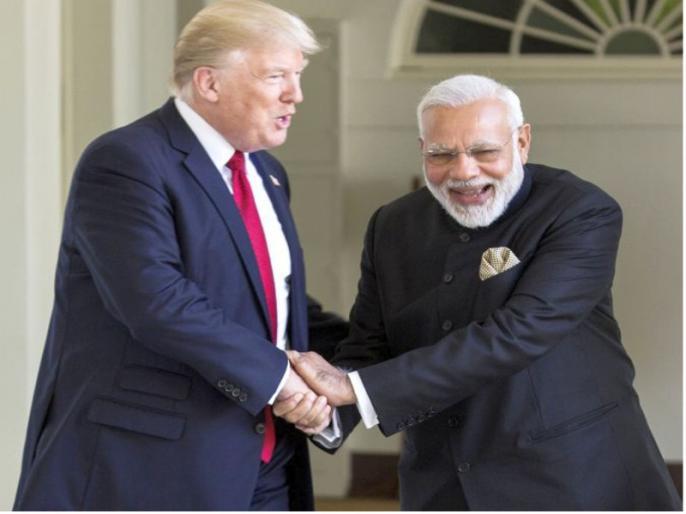 Donald Trump's visit to India: US President could not see the poverty of Gujarat Wall to Mask Slums Narendra Modi   डोनाल्ड ट्रंप का भारत दौरा: अमेरिकी राष्ट्रपति न देख पाएं गुजरात की गरीबी, झुग्गियों को छिपाने के लिए सरकार कर रही ये काम