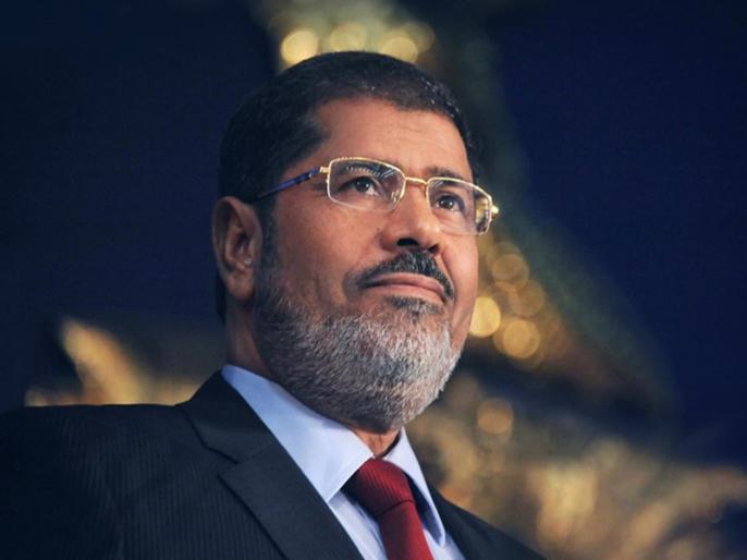 Egypt: Human rights organizations doubt on Mohamed Morsi Sudden Death, buried in in Cairo | मिस्र: पूर्व राष्ट्रपति मुर्सी की मौत पर मानवाधिकार संगठनों को शक, सुनवाई के दौरान कठघरे में गिर पड़े थे, काहिरा में दफनाए गए