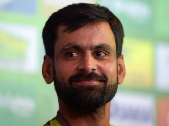 Mohammad Hafeez 'Covid-19 positive' again as per PCB facilitated re-test - Report | मोहम्मद हफीज फिर कोरोना टेस्ट में पॉजिटिव निकले, नाराज पीसीबी करेगा कार्रवाई