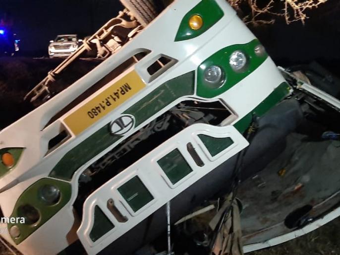 road accident bus Dewas two deaths overturned36 injuredbhopalmadhya pradeshhospital   देवास में भीषण सड़क हादसाःबारातियों से भरी बस पलटी, दो की मौत, 40 से ज्यादा घायल
