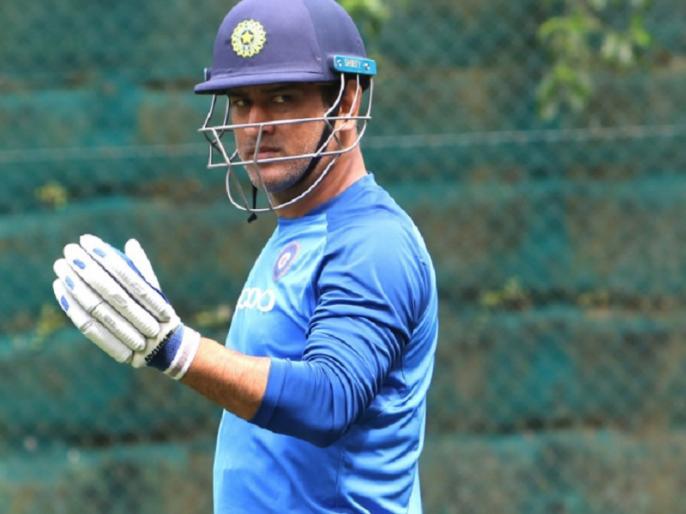 Mahendra Singh Dhoni new look ahead of IPL 2020 goes viral | आईपीएल-13 से पहले महेंद्र सिंह धोनी का न्यू लुक वायरल, फैंस भी रह गए हैरान
