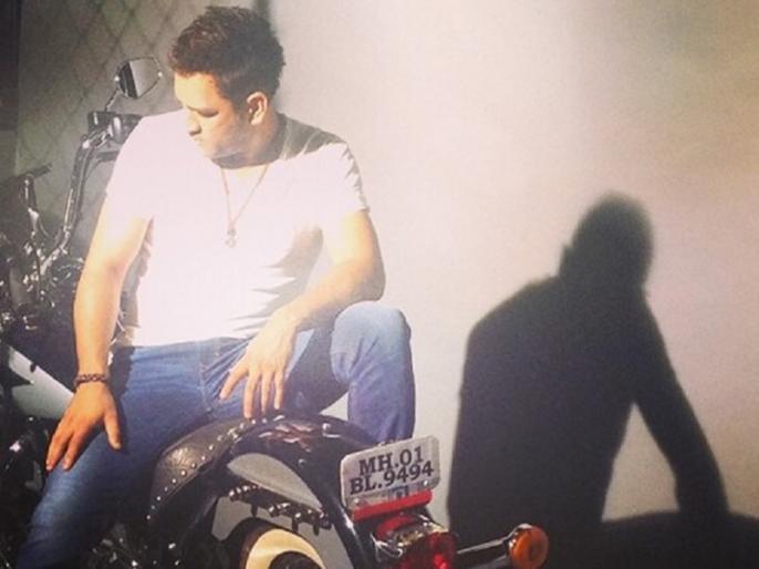 Sakshi Shares pics and videos of husband MS Dhoni's Massive Bike Collection on Instagram | साक्षी ने शेयर की धोनी की शानदार बाइक की तस्वीरें, फैंस रह गए हैरान