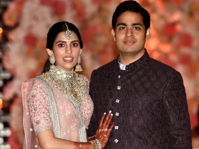 Akash Ambani and Shloka Mehta's official wedding card and its viral video | 3D इफैक्ट से लैस है आकाश अंबानी के शादी का कार्ड, खोलते ही बजने लगती है ये धुन- वायरल हो रहा है वीडियो