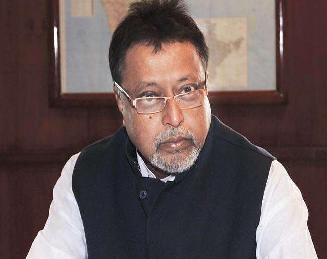 West Bengal: BJP leader Mukul Roy including four against FIR in TMC legislator murder case | पश्चिम बंगाल: TMC विधायक की हत्या मामले में BJP नेता मुकुल राय सहित चार लोगों पर FIR दर्ज