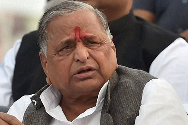 Mulayam Singh Yadav praises Narendra Modi and want to see Modi as next Pm | मनमोहन सिंह को भी मिला था 2014 में भरोसा, मुलायम सिंह यादव चुनाव से पहले देते रहे हैं आशीर्वाद