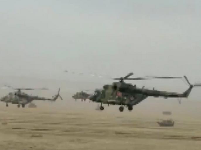 Multinational Military Exercise 'TSENTR-2019': India Pakistan take part along with Russia & other nations | पाकिस्तानी सैनिकों के साथ युद्धाभ्यास कर रहे भारतीय जवान, रूस में चल रहे बहुराष्ट्रीय सैन्य अभ्यास का VIDEO आया सामने