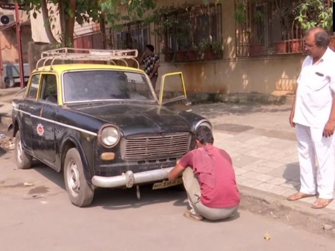 Mumbai Black-Yellow Padmini taxis will stop plying on roads after June 2020 | तो बंद हो जाएगी मुंबई की पहचान 'पद्मिनी' टैक्सी, सिर्फ रह जाएंगी यादें