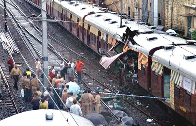 July 13 in history: bomb blasts arise in Mumbai, Russia train accident, 200 deaths | इतिहास में 13 जुलाई : बम धमाकों से दहल उठी मुंबई, रूस में ट्रेन हादसा, 200 की मौत