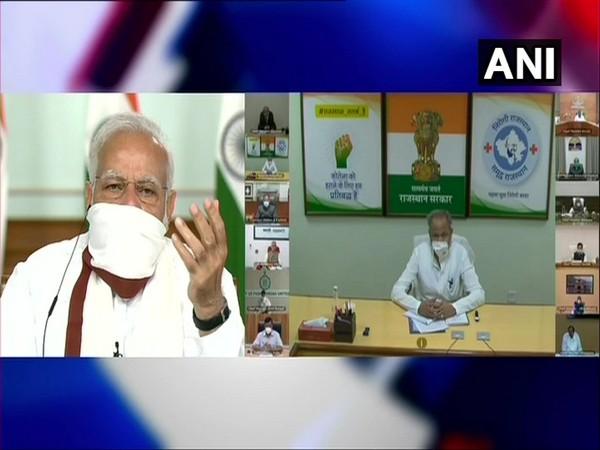 coronavirus live updates narendra modi to discuss lockdown exit plan with cm   PM मोदी ने मुख्यमंत्रियों से लॉकडाउन से चरणबद्ध तरीके से बाहर निकलने पर चर्चा की