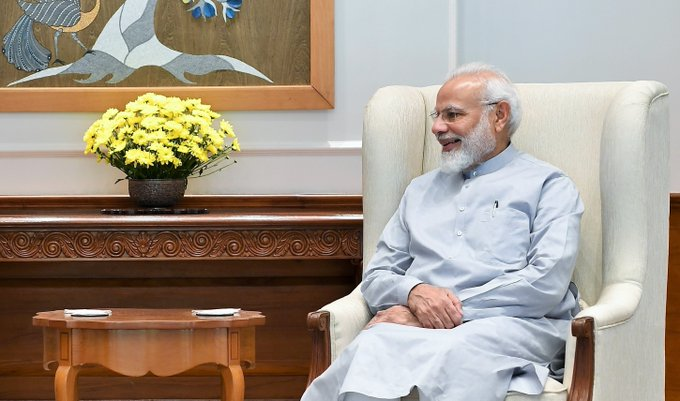 PM Modi had telephonic conversation today with Scott Morrison, PM of the Commonwealth of Australia. They discussed #COVID19, & domestic response strategies being adopted by their respective Govts. They agreed on importance of bilateral experience-sharing | PM मोदी ने आज कोरोना महामारी को लेकर ऑस्ट्रेलिया के प्रधानमंत्री स्कॉट मॉरिसन के साथ टेलीफोन पर की बातचीत