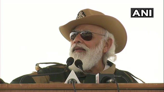 on Diwali day PM narendra Modi spoke to army learn 10 important things | दिवाली के दिन PM मोदी ने चीन पर किया करारा वार, सेना से बोले- विस्तारवादी सोच मानसिक बीमारी, जानें 10 अहम बातें