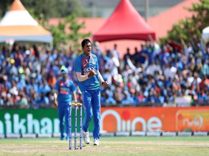 Will Have to Work Harder to Get Into Test Team, says Navdeep Saini | टेस्ट टीम में जगह नहीं मिलने पर टीम इंडिया का यह गेंदबाज हुआ निराश, दिया ये बड़ा बयान