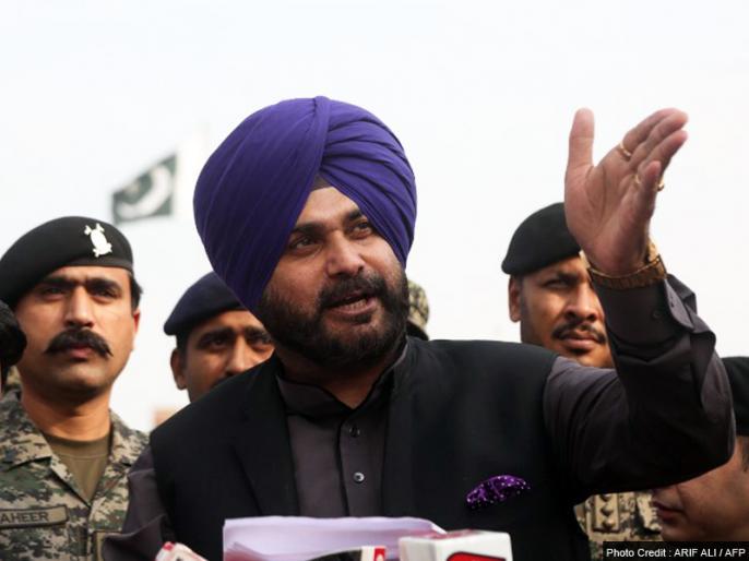 Navjot Singh Sidhu inaugural ceremony of Kartarpur Corridor in Pakistan Says No one can deny my friend Imran Khan's contribution | Kartarpur Corridor: पाकिस्तान में नवजोत सिंह सिद्धू बोले, 'मेरे दोस्त इमरान खान के योगदान को कोई नकार नहीं सकता'