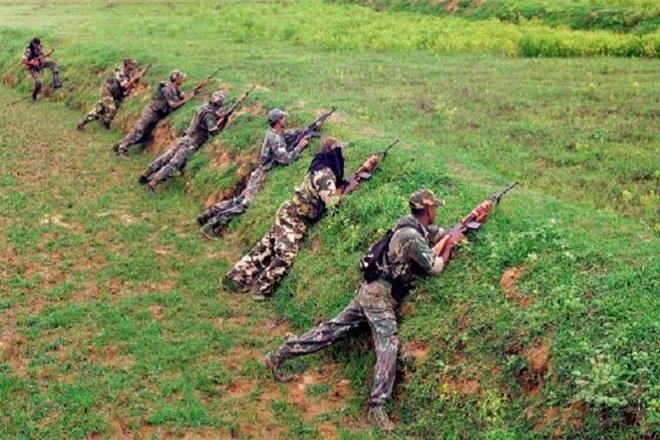 Chhattisgarh: Security forces in Dantewada great success, encounter two prize Naxalite pile   छत्तीसगढ़ः दंतेवाड़ा में सुरक्षाबलों को बड़ी सफलता, मुठभेड़ में दो इनामी नक्सली ढेर