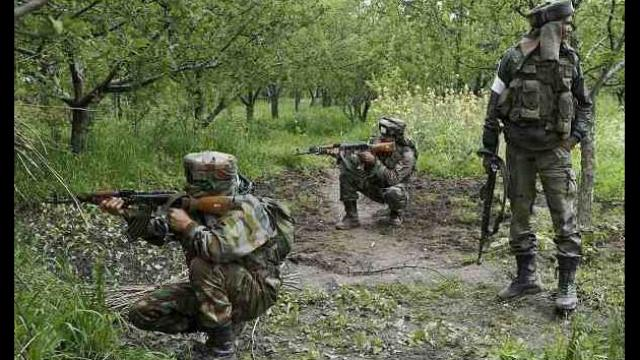 Jharkhand: Wanted naxalite killed in encounter in Jharkhand dumka | झारखंडः दुमका जिले में पुलिस और नक्सलियों के बीच मुठभेड़, मारा गया 15 लाख रुपये का इनामी नक्सली