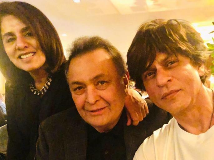 shah rukh khan meets rishi kapoor and neetu kapoor in new york | ऋषि कपूर से मिलने पहुंचे शाहरुख खान, नीतू सिंह ने 'किंग ऑफ रोमांस' के लिए लिखी ये बात
