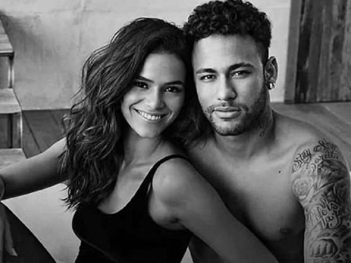 neymar with model girlfriend bruna Marquezine advertisement video goes viral | नेमार ने गर्लफ्रेंड ब्रुना के साथ शूट किया हॉट ऐड, एक दिन में 6 लाख से ज्यादा बार देखा गया