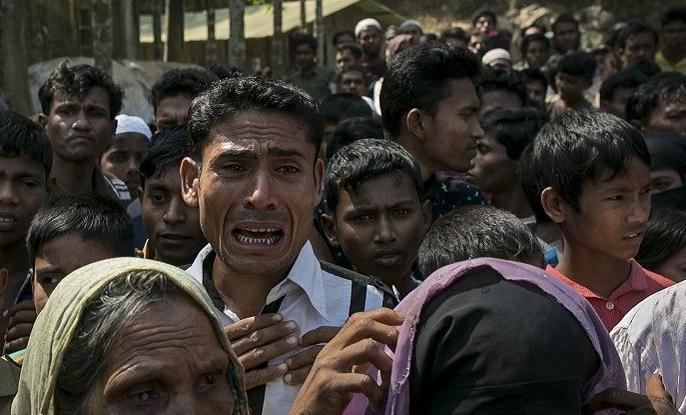 Non-Gujrati case:uttar pradesh and bihar working people in industries were attacked after viral message on social media | इस एक मैसेज के वायरल होने के बाद यूपी-बिहार के लोग हुए पलायन को मजबूर, 20 हजार लोगों ने छोड़ा गुजरात