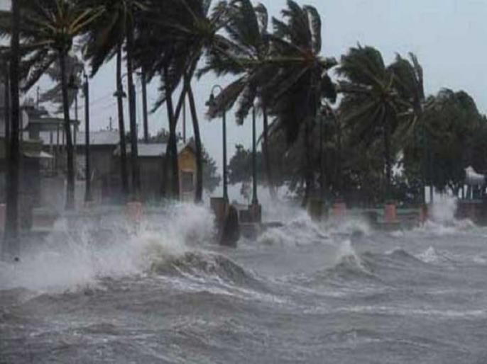 Cyclone Nisarga live updates After 129 years Maha cyclone will knock in Mumbai   Cyclone Nisarga: तूफान नहीं तबाही है 'निसर्ग', 129 साल बाद मुंबई पर मंडरा रहा महा चक्रवात का सबसे बड़ा खतरा, फोन चार्ज रखें, बत्ती और गैस करें ऑफ...