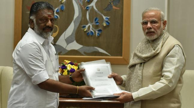 AIADMK can make a allaince in Tamilnadu with BJP | लोकसभा चुनाव से पहले भाजपा को मिली बड़ी सफलता, तमिलनाडु में AIADMK ने दिए गठबंधन के संकेत