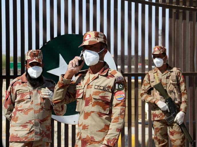 pakistan moves 20000 soldiers to gilgit baltistan loc near ladkah | पाकिस्तान ने LOC पर भेजे 20000 सैनिक, आतंकी संगठन अल बदर से बातचीत कर रहा है चीन