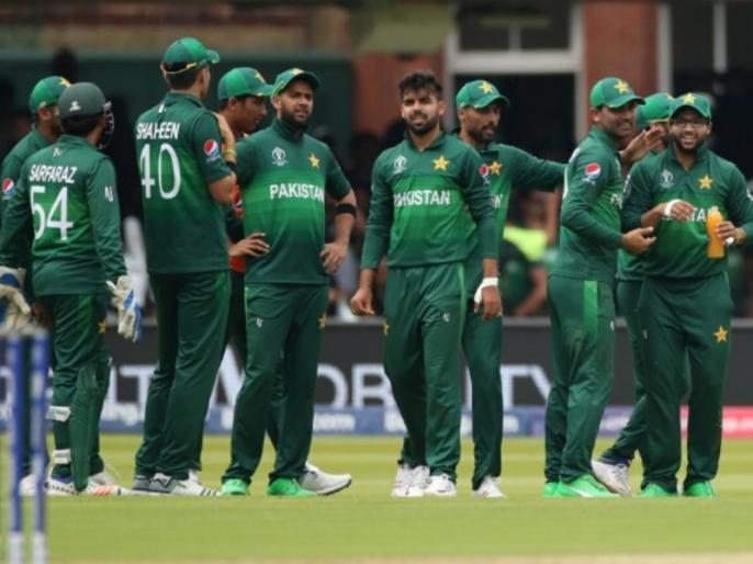 Player from PSL franchise tests positive for coronavirus, Pakistan to send cricket teams to South Africa, Zimbabwe by chartered flight | PSL से पहले खिलाड़ी मिला कोरोना पॉजिटिव, बोर्ड ने अंतर्राष्ट्रीय दौरों के लिए उठाया ये कदम
