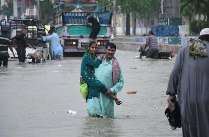 Weather updates Heavy rain in Pakistan 58 killed 30 dead in South Korea 12 missing | पाकिस्तान में भारी बारिश, 58 लोगोंकी मौत,दक्षिण कोरिया में 30 मरे, 12लापता